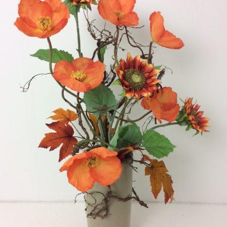 Oranje Papavers en Zonnebloemen op Groene Vaas